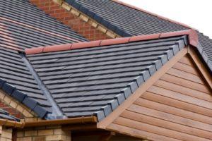 repair roof flashing in